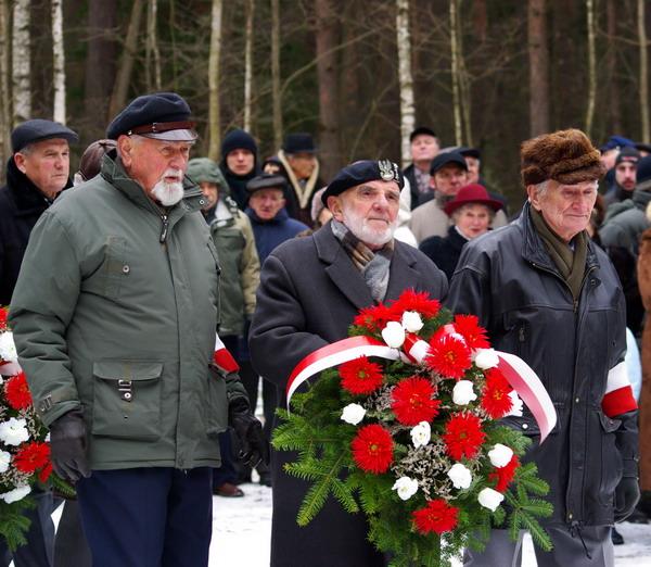 http://www.skarzysko24.pl/foto/artykuly/bor_obchody_17_02_2008_002.jpg