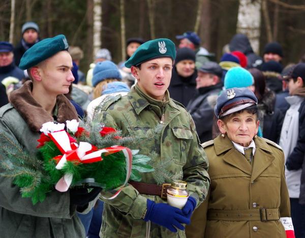 http://www.skarzysko24.pl/foto/artykuly/bor_obchody_17_02_2008_010.jpg