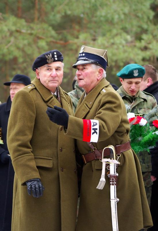 http://www.skarzysko24.pl/foto/artykuly/bor_obchody_17_02_2008_013.jpg