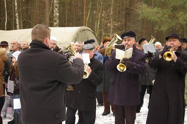 http://www.skarzysko24.pl/foto/artykuly/bor_obchody_17_02_2008_014.jpg