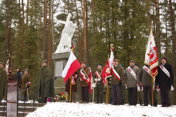 http://www.skarzysko24.pl/foto/artykuly/bor_obchody_17_02_2008_015.jpg
