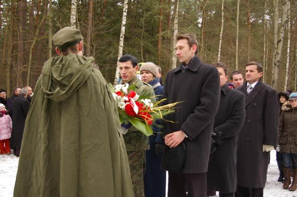 http://www.skarzysko24.pl/foto/artykuly/bor_obchody_17_02_2008_019.jpg